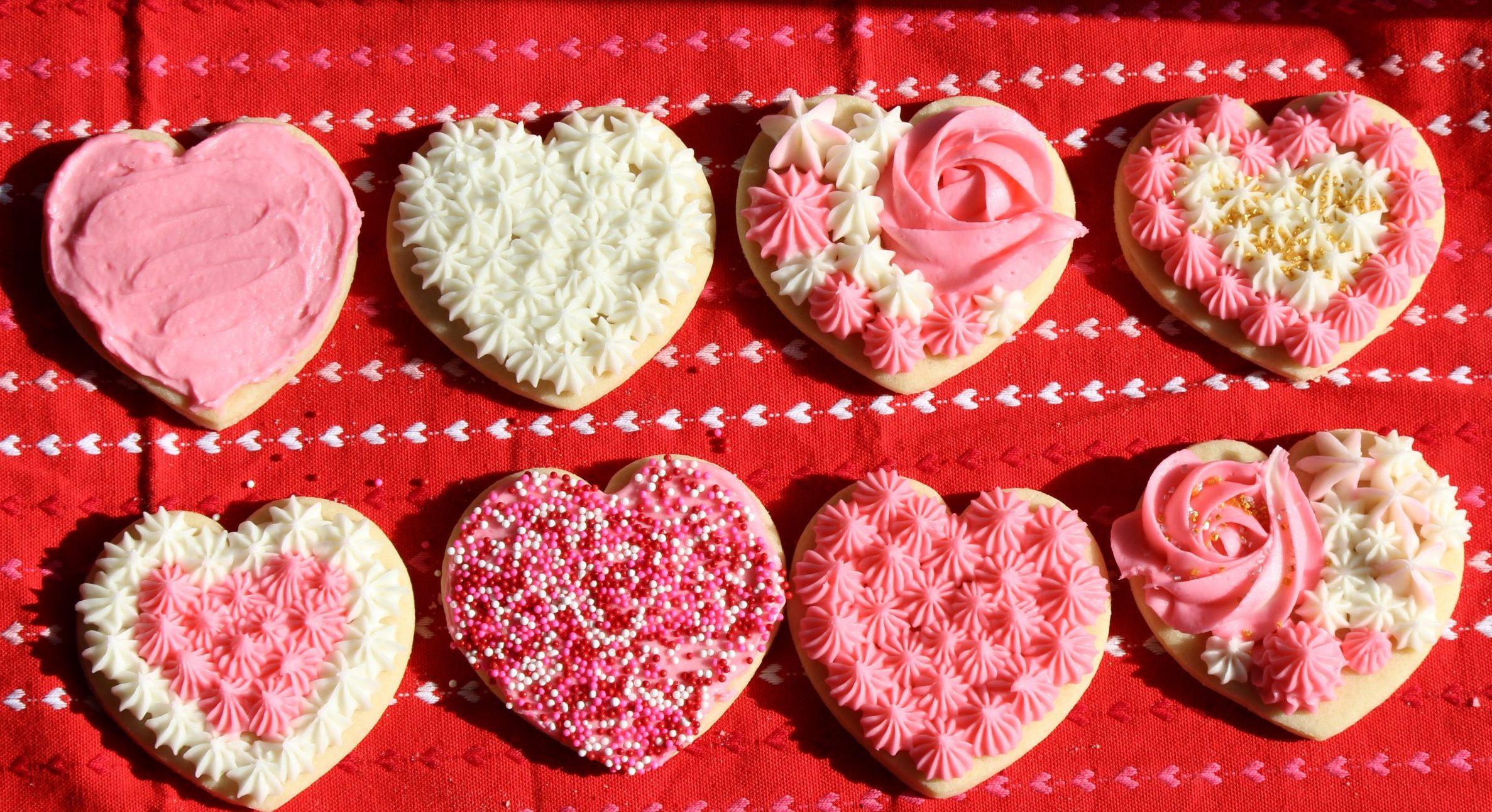 Sugar Cookies & Buttercream Frosting